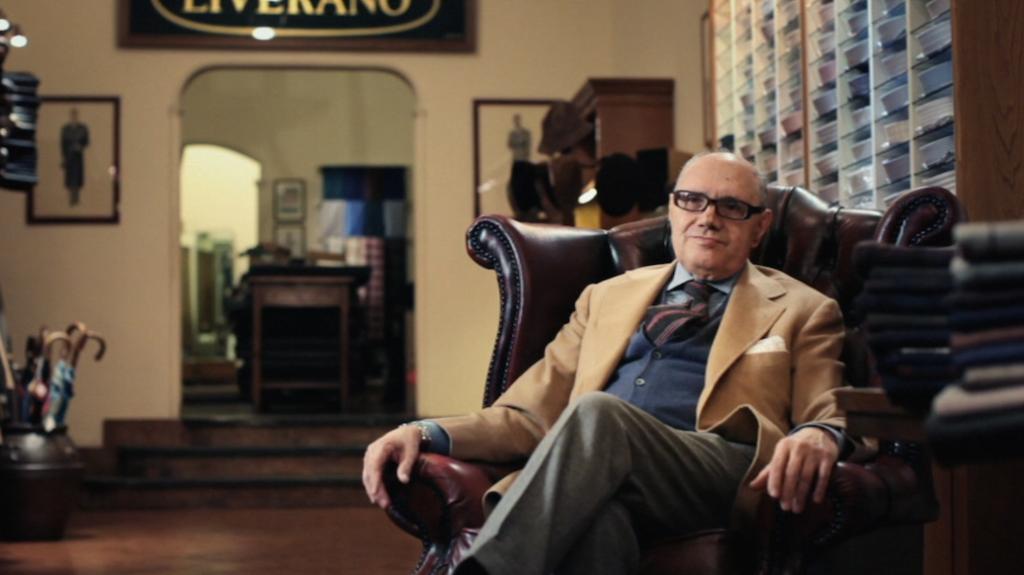 Le maitre-tailleur Antonio Liverano, dans le documentaire du même nom