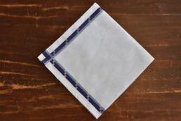 Mouchoir bleu clair en coton et bords trio bleu Simonnot Godard