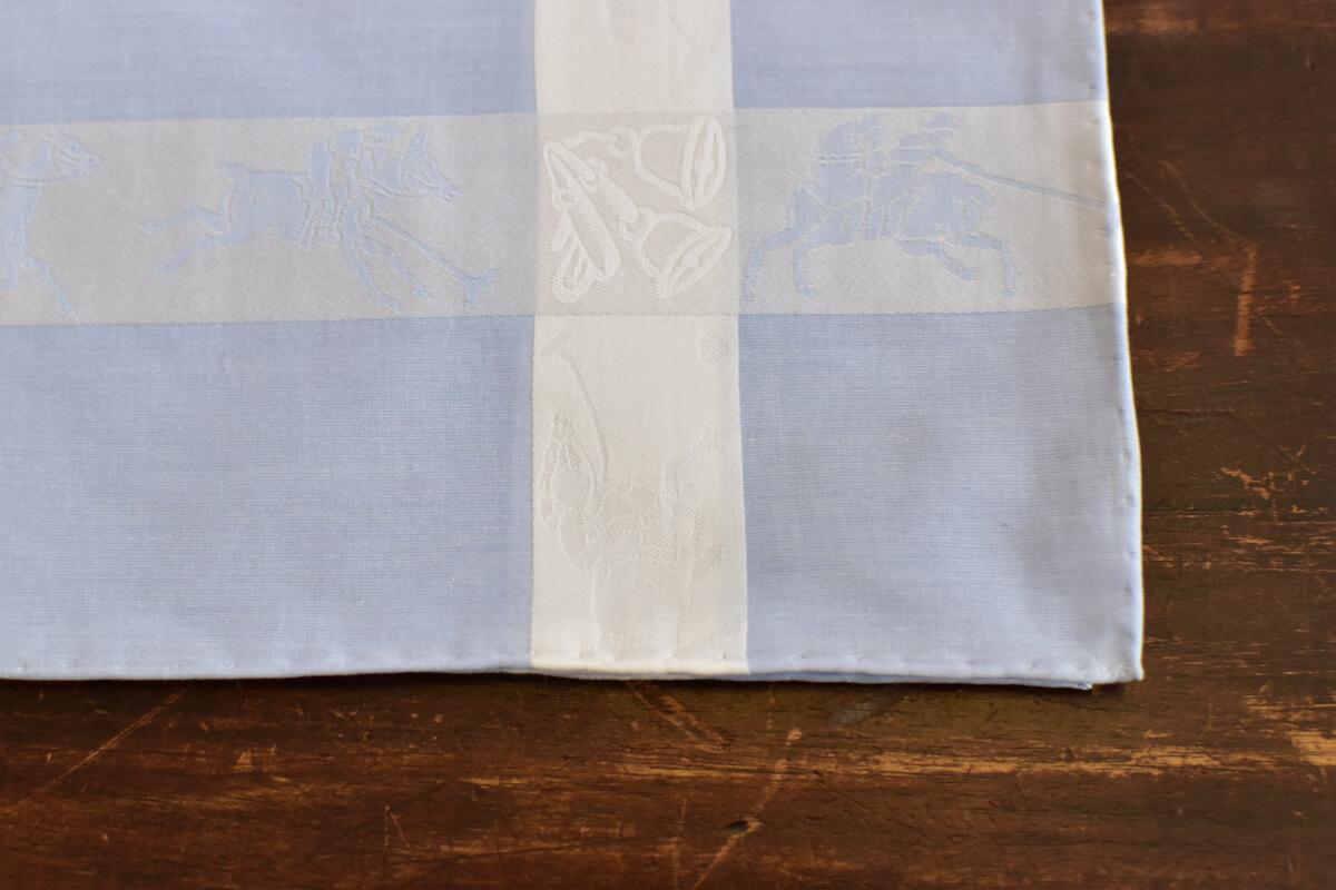 mouchoir bleu motif polo