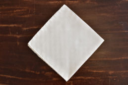 Pochette blanche smoking coton soie Simonnot Godard