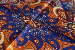 pochette en soie paisley motif