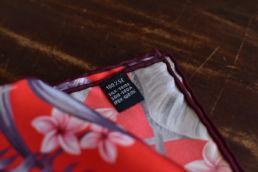 pochette en soie rouge imprimé floral