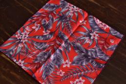 pochette rouge imprimé hawaien