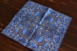 Pochette en soie bleu motif floral