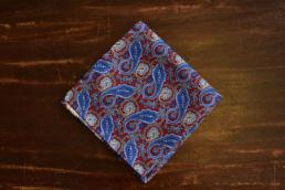 Pochette en soie paisley rouge et bleue-1