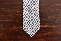 Cravate blanche imprimé chainettes Calabrese