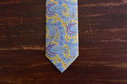 Cravate paisley jaune et bleu ciel
