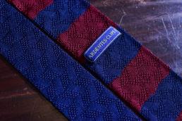 Cravate tricot rayée bleu marine et bordeaux