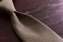cravate marron pied de poule