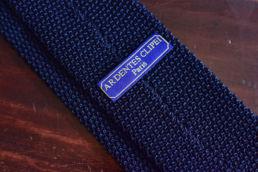 cravate tricot bleu à pois