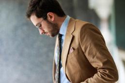 costume-en-coton-couleur-tabac