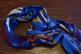echarpe laine de yack motif floral bleu-4