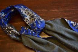 echarpe reversible bleu floral et gris-5